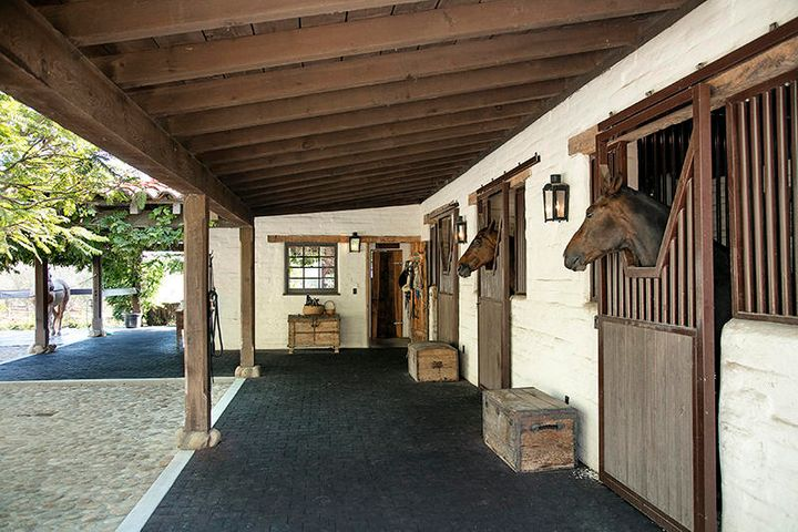 06-308-ED_Stables