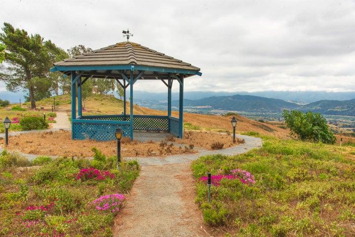 Gazebo with panoramic views