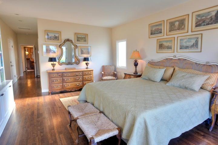 Large Master Bedroom w/Ocean Views