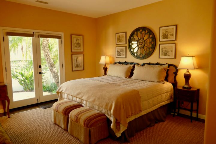 2nd Master/Guest Suite w/private entry