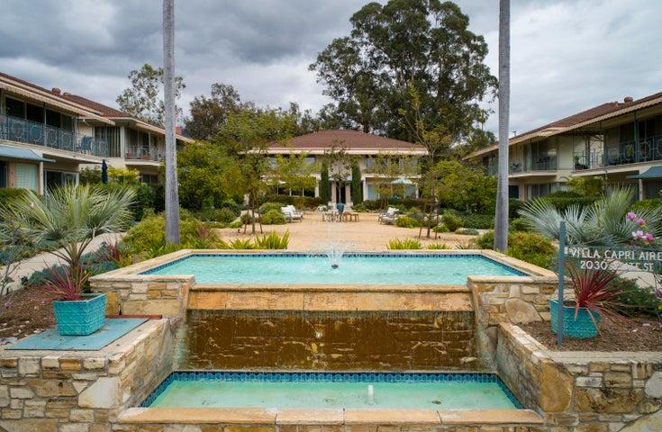 Villa Capri Aire Courtyard