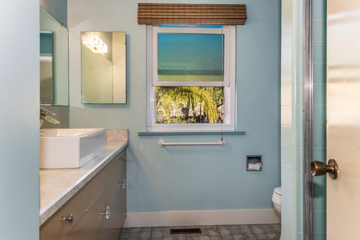 2nd Floor Hall Bathroom