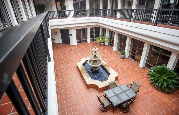 111 W Micheltorena St - courtyard
