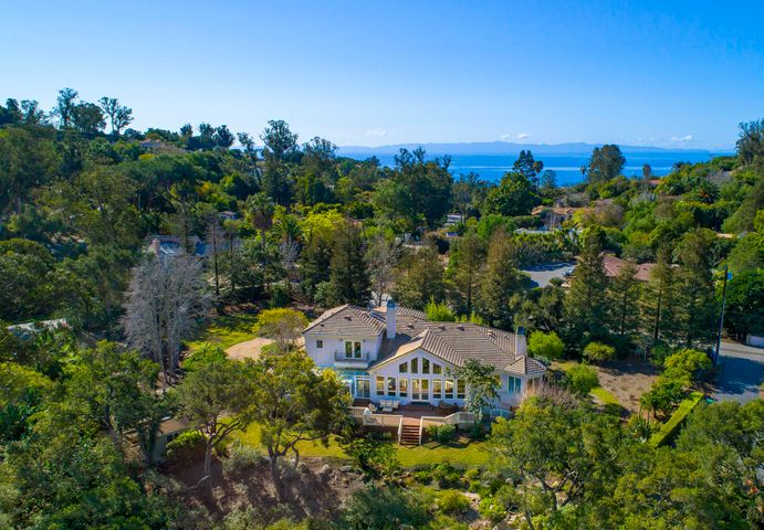 Montecito Farmhouse on .9 Acre