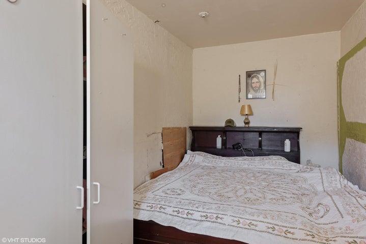 09_1416ELemon_18001_Bedroom_HiRes