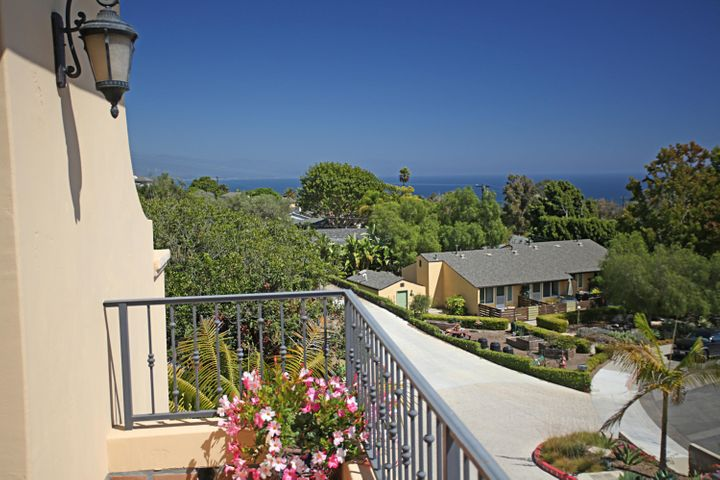 10 Balcony South View
