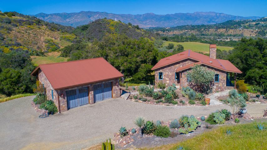Lucky Q Ranch for Sale in Ojai (3)