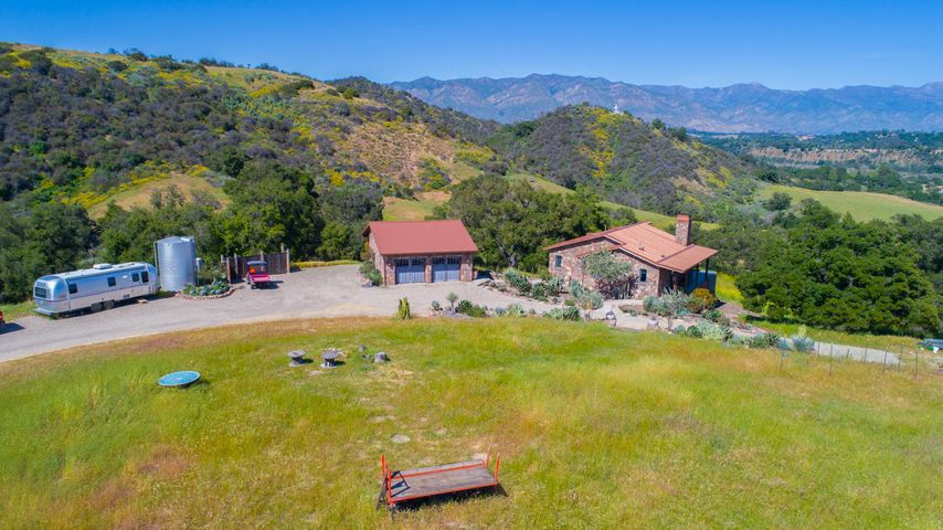 Lucky Q Ranch for Sale in Ojai (2)