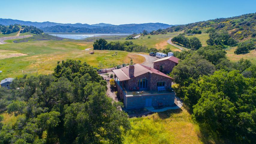 Lucky Q Ranch for Sale in Ojai (5)