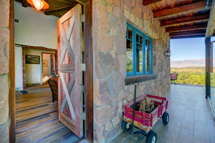 Lucky Q Ranch for Sale in Ojai (7)