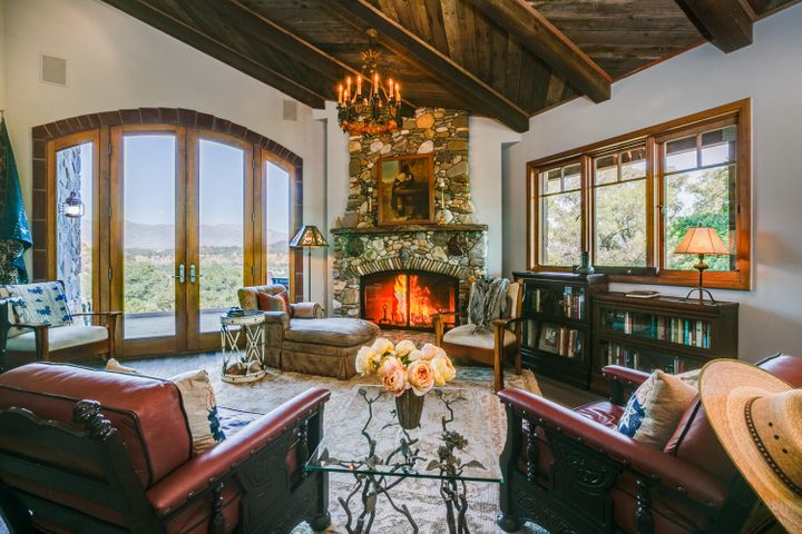 Lucky Q Ranch for Sale in Ojai (8)