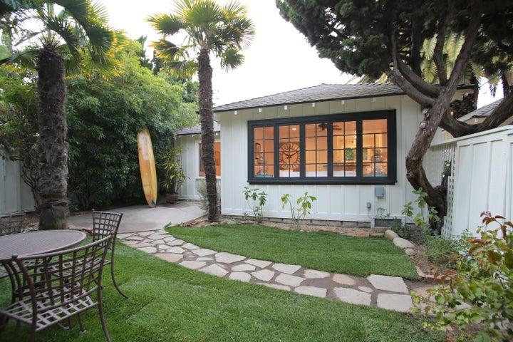 Exterior Cottage 15