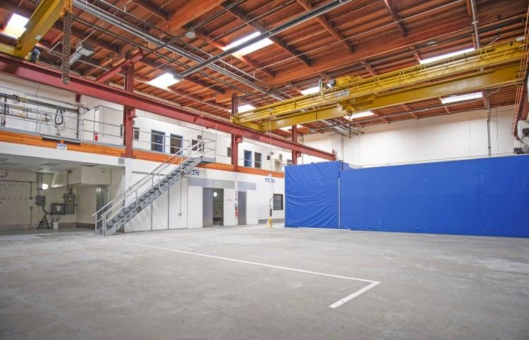 270 Quail Ct - int ceilings