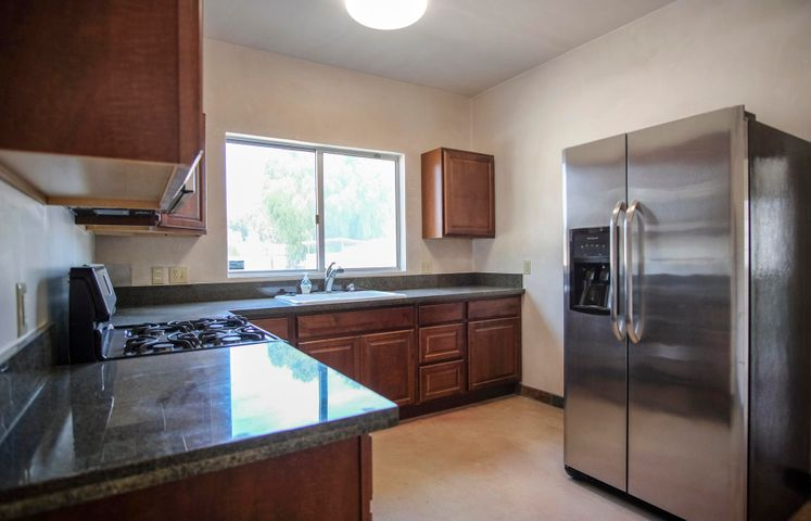 1580 Lemonwood Dr - int kitchen