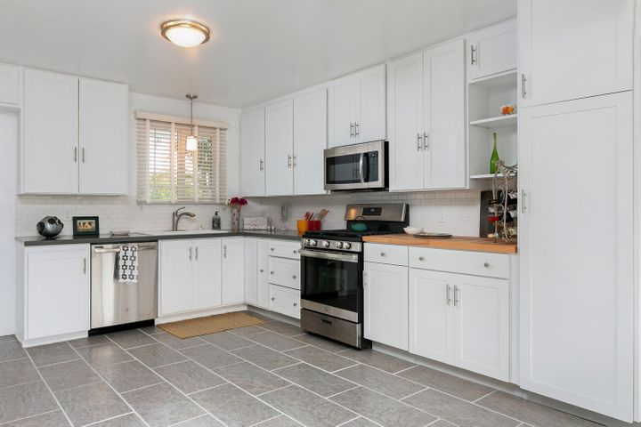 1341 Tomol St-009-15-Kitchen-MLS_Size