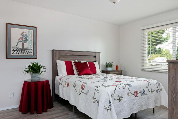 1341 Tomol St-014-29-Master Bedroom-MLS_
