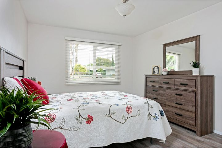 1341 Tomol St-015-12-Master Bedroom-MLS_