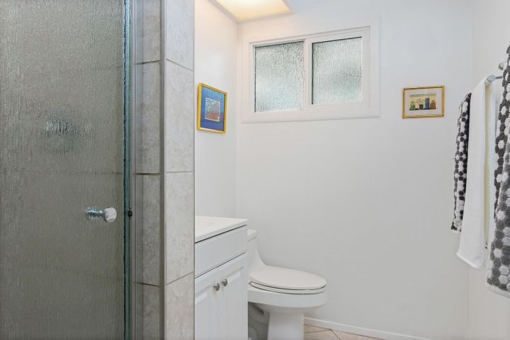 1341 Tomol St-021-7-Bathroom-MLS_Size
