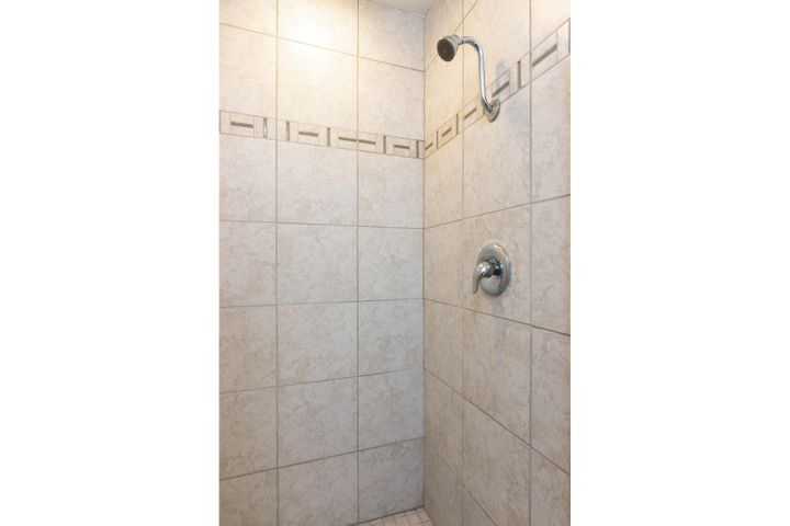 1341 Tomol St-023-25-Shower-MLS_Size