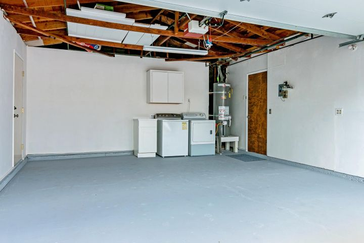 1341 Tomol St-029-23-Garage-MLS_Size