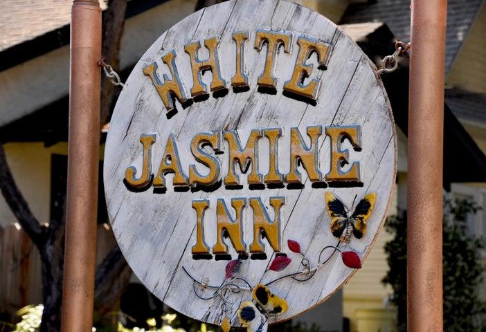 White Jasmine Inn SIGN