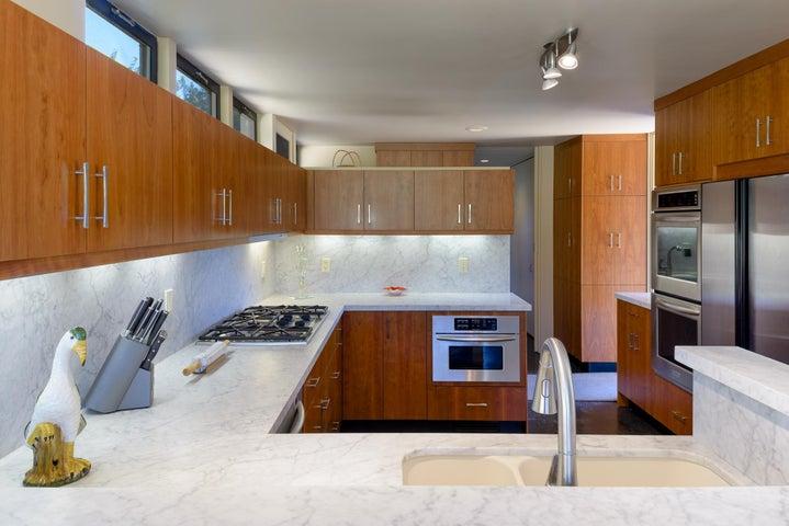 07 Kitchen2