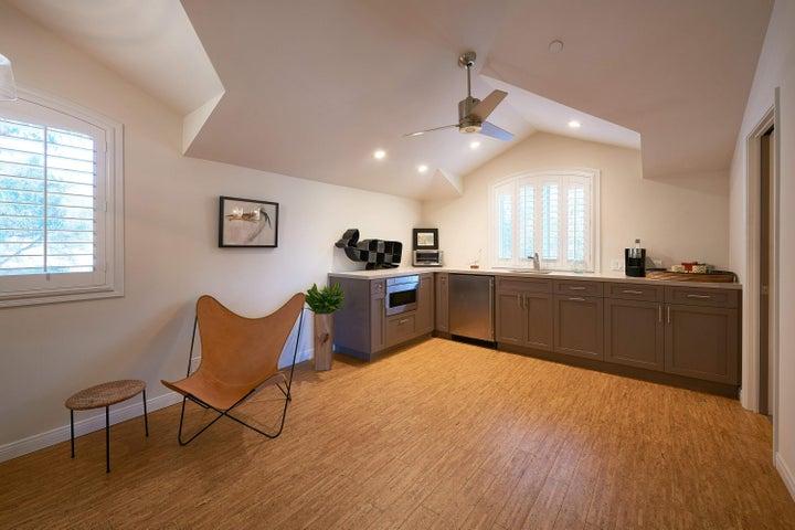 Guest Suite Area
