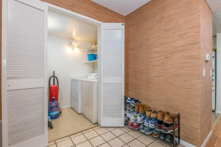 Entry with Laundry room