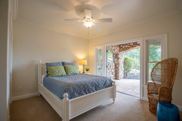 Downstairs guest bedroom 1