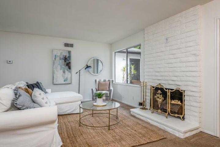 005_05-Living Room
