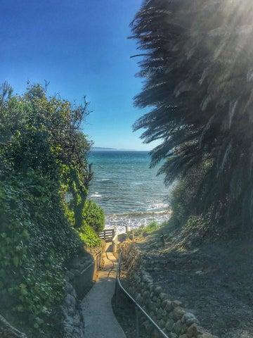 Path to Beach access
