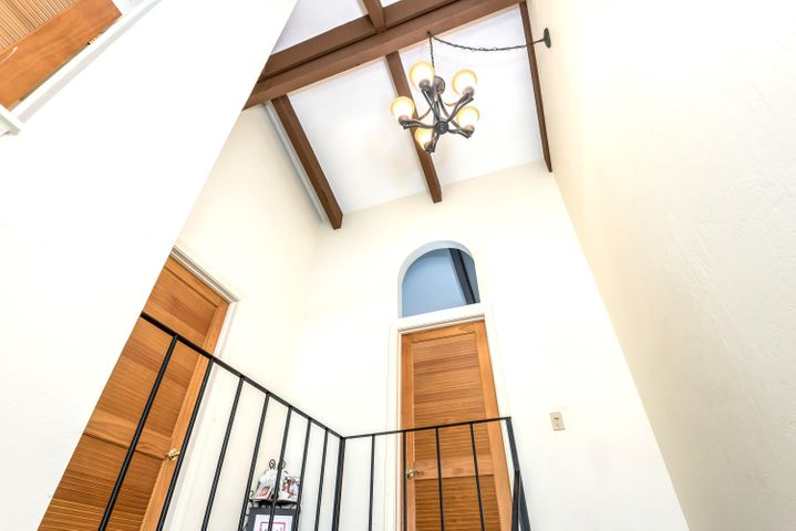 High ceiling at upstairs landing
