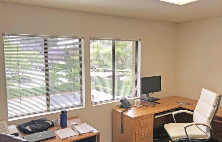 5951 Encina Rd - chair window