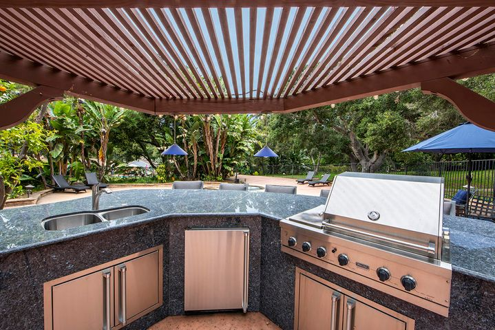 Poolside Kitchen with BBQ