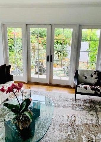 Living room to garden