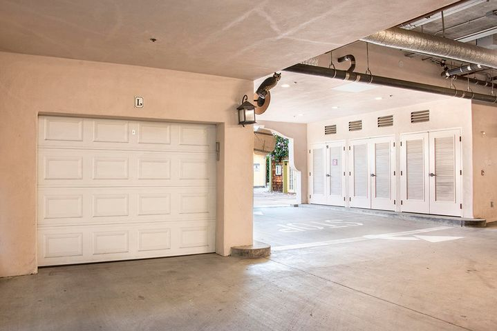 1 Car Garage Parking