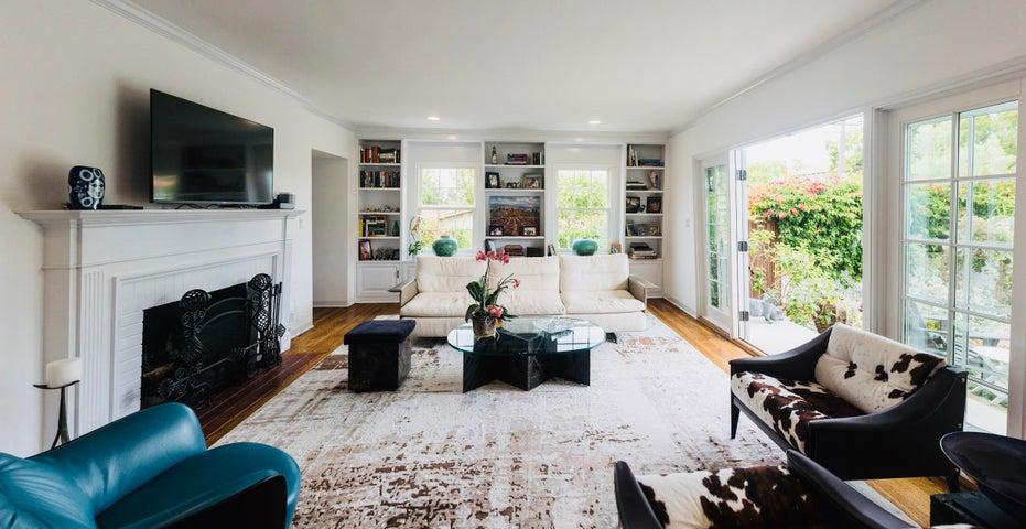 Living Room wit