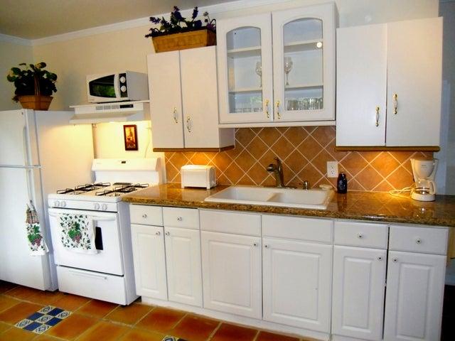14 - Kitchen 2