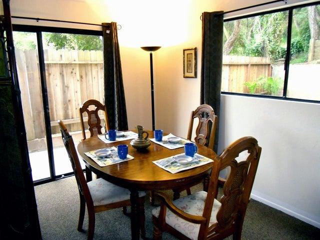05 - Dining Room