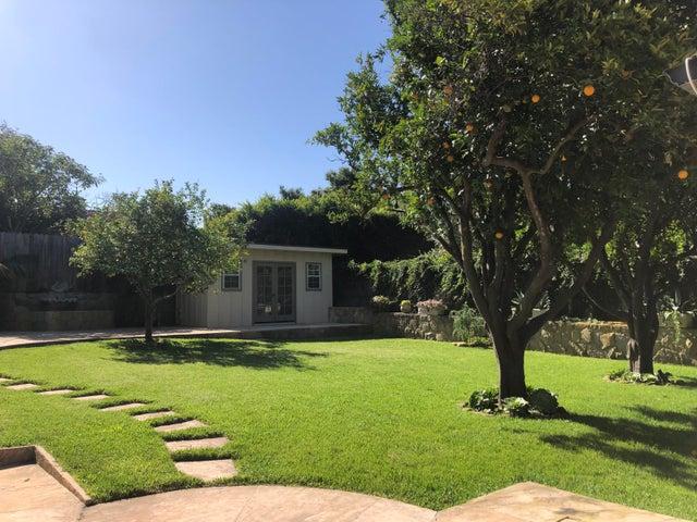 Backyard w/Office