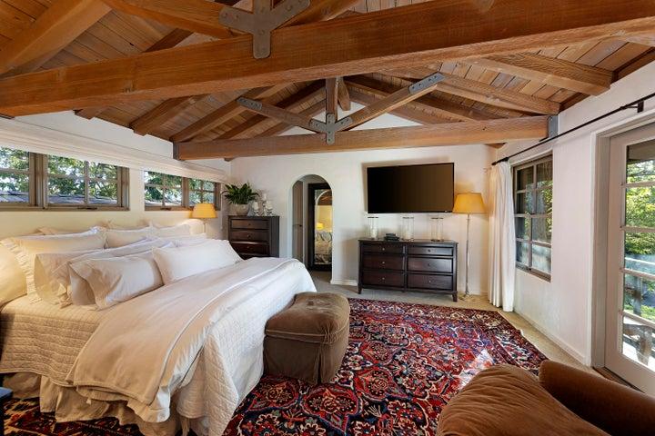 15-upper guest suite