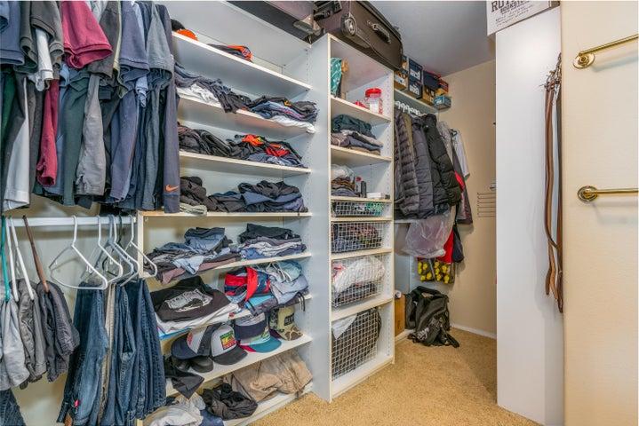 17-Master Closet