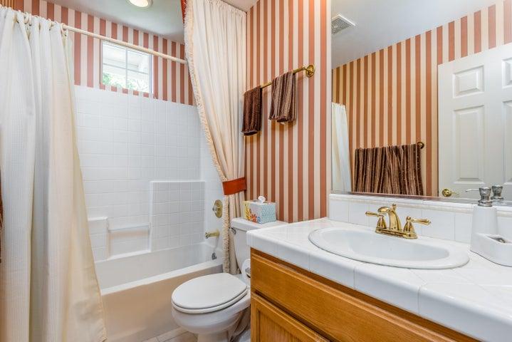 20-Bathroom 2
