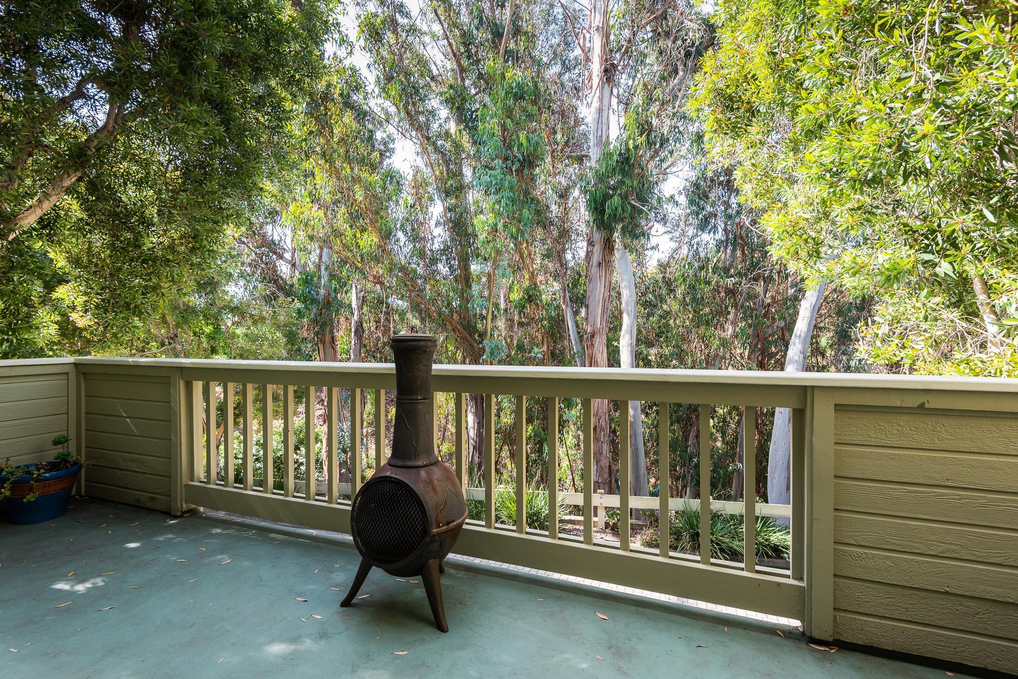 Eucalyptus View Deck off LR