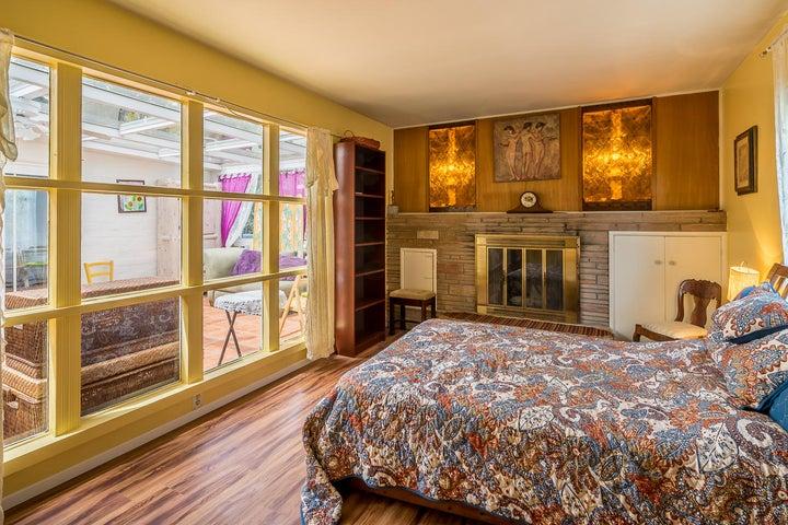 Bedroom 2_2324 Cliff_w