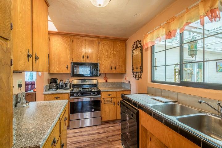 Kitchen2_2324 Cliff_w