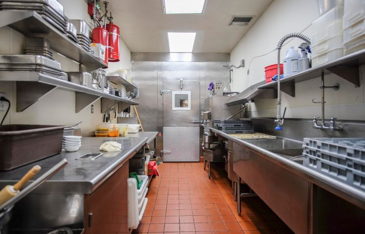 1027 State St - kitchen