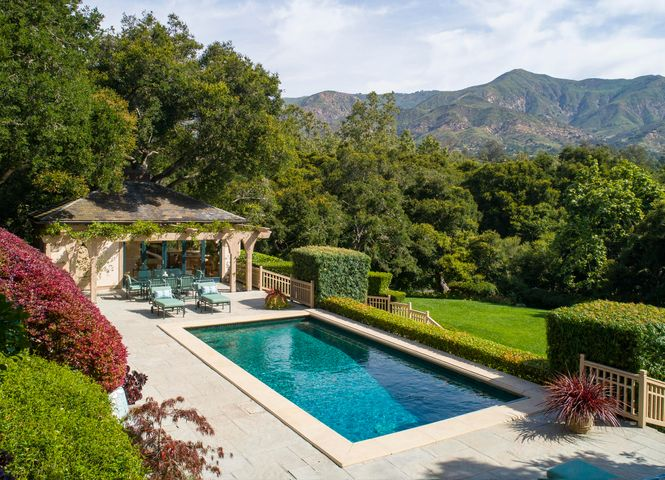 Pool Terrace, Ideal for Entertaining