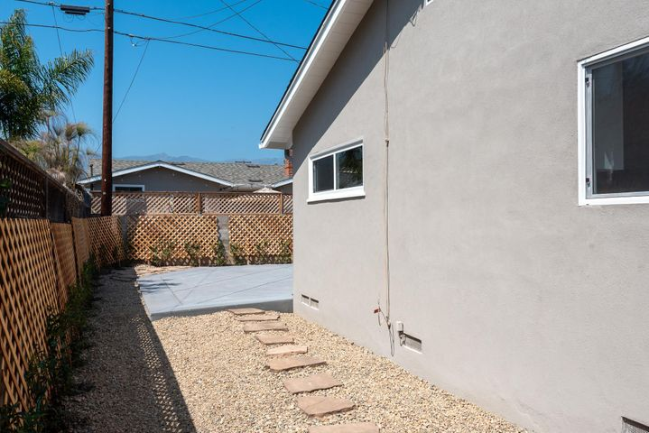 Side yard with flagstone