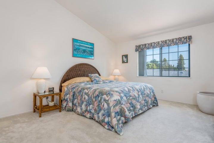 15-Master Bedroom
